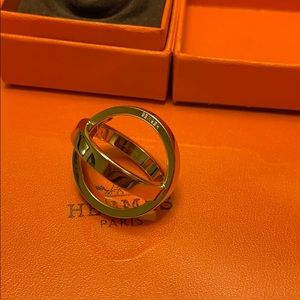 Hermès cosmos scarf ring excellent condition gold